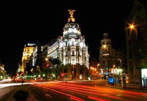 Ночной Мадрид–свидетель непредсказуемости и бесшабашного веселья