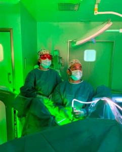 Hospital Clínica Benidorm успешно проводит терапию предстательной железы зеленым лазером