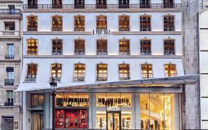 Самые необычные интерьеры магазинов модных брендов